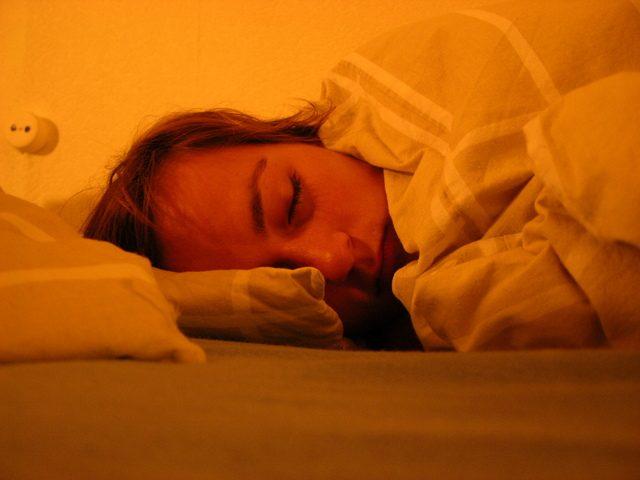寝起きの頭痛が劇的改善!正しい眠り方のコツと頭痛解消法7選
