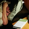 イライラする原因の元凶!不眠症を治す5つの方法