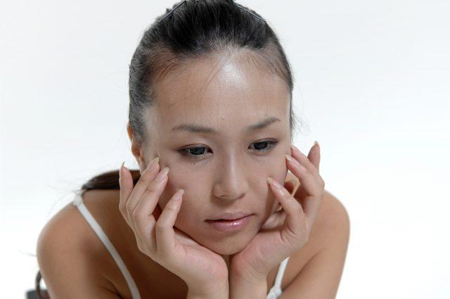 肌に異常がないのにかゆい!皮膚掻痒症の7つの原因と対処法