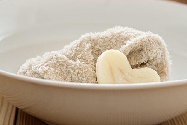 柿渋石鹸で加齢臭と大人ニキビを一緒に撃退する5つの秘訣