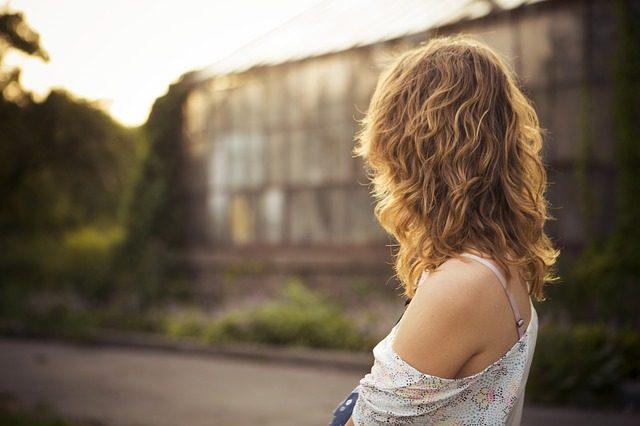 肩こりの原因は内臓不調!ツボ押しで改善する6つの実践法