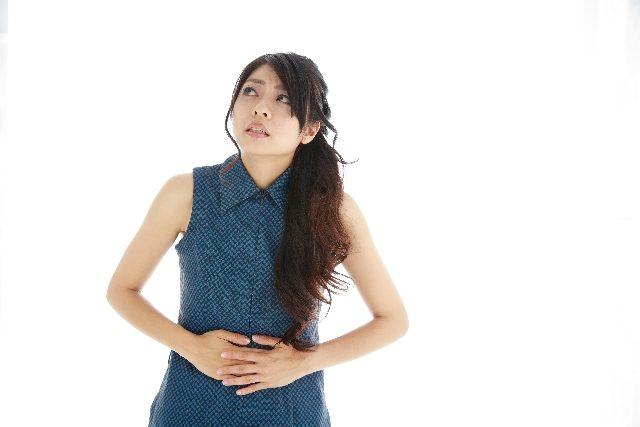 食べ過ぎで腹痛に!一刻も早く症状を抑える7つの対処法