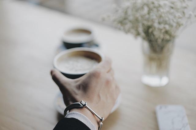 コーヒーの飲み過ぎが原因の6つの体へのデメリット