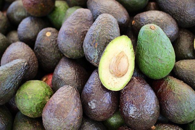 アボカドの食べ過ぎが原因で起こる体の不調と改善するための方法5つ