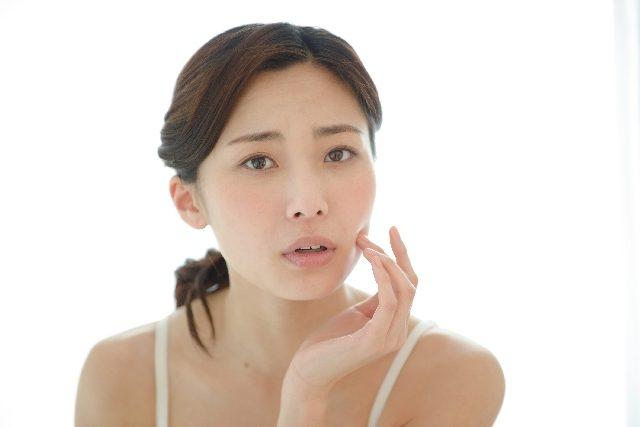 敏感肌でも安心して使える5つのファンデーションの選び方と注意点