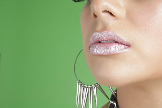 唇のしびれに隠された怖い病気の兆候と対処法6つ