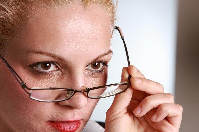 視力低下の6つの原因がヤバイ!生活習慣改善で視力を回復する方法
