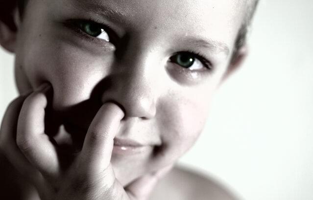 鼻水が黄色と透明での違いは?色で分かる症状と改善するための方法5つ